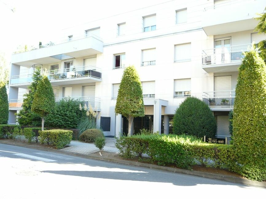 Vente appartement 1 pi ce chamali res 63400 157100 for Chamalieres piscine
