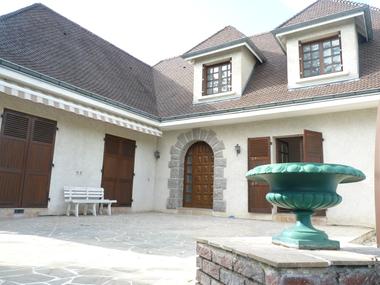 Vente Maison 7 pièces 225m² Vertaizon (63910) - photo
