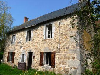 Vente Maison 6 pièces 140m² Giat (63620) - photo