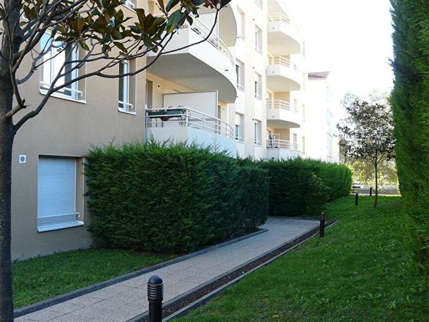 Vente appartement 3 pi ces clermont ferrand 63100 140458 for Vente appartement atypique clermont ferrand
