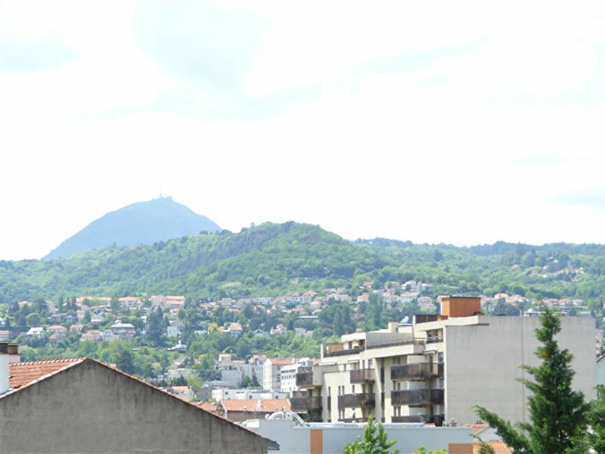 Vente appartement 3 pi ces clermont ferrand 63000 249713 for Vente appartement atypique clermont ferrand