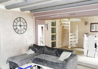 vente maison 4 pi ces saint pierre le chastel 478499. Black Bedroom Furniture Sets. Home Design Ideas