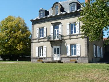 Vente Maison 11 pièces 280m² Pont-du-Château (63430) - photo