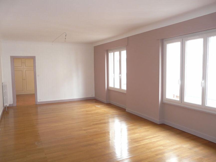 location appartement 5 pi ces clermont ferrand 63000 312222. Black Bedroom Furniture Sets. Home Design Ideas