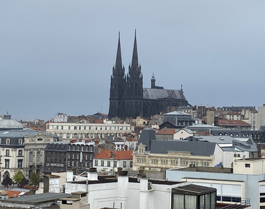 Location Appartement 5 pièces 132m² Clermont-Ferrand (63000) - photo