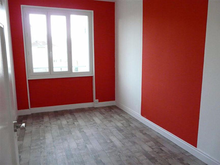 location appartement 3 pi ces clermont ferrand 63000. Black Bedroom Furniture Sets. Home Design Ideas