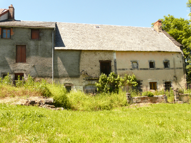 Vente Maison 4 pièces 200m² Saint-Pierre-le-Chastel (63230) - photo