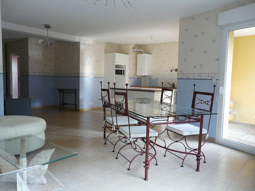 vente appartement 3 pi ces clermont ferrand 63100 355389. Black Bedroom Furniture Sets. Home Design Ideas