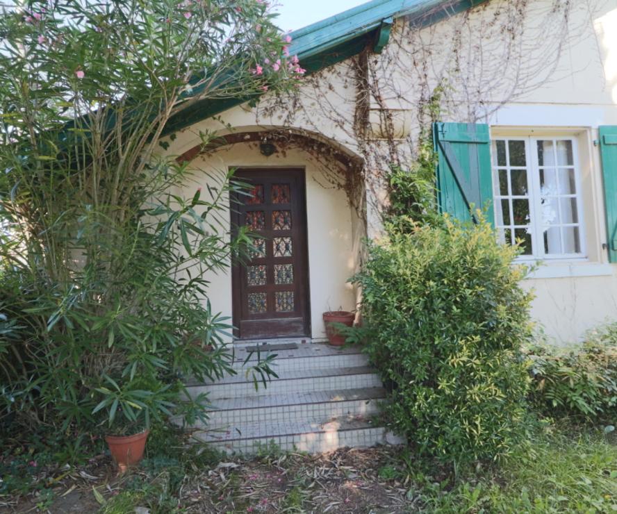 Vente Maison 5 pièces 137m² SAINT PIERRE D IRUBE - photo