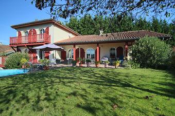 Vente Maison 6 pièces 190m² SAINT PIERRE D IRUBE - photo