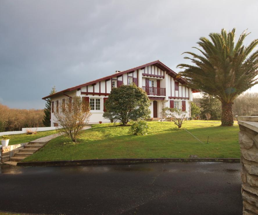 Location Maison 7 pièces 216m² Villefranque (64990) - photo