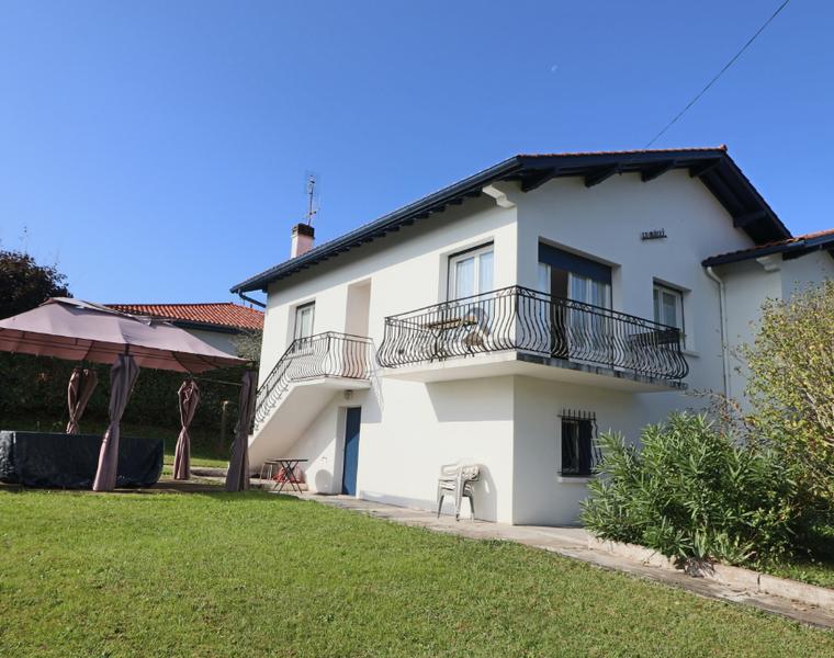 Vente Maison 5 pièces 147m² SAINT PIERRE D IRUBE - photo