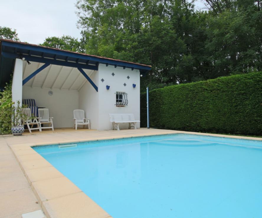 Vente Maison 7 pièces 161m² SAINT PIERRE D IRUBE - photo