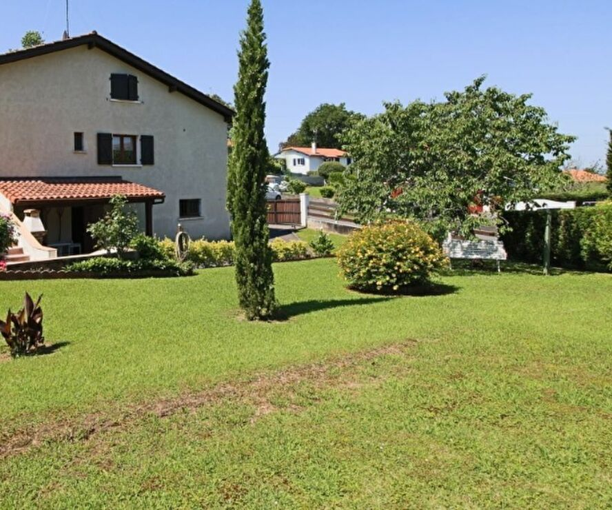 Vente Maison 5 pièces 100m² SAINT PIERRE D IRUBE - photo