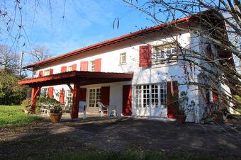Vente Maison 5 pièces 220m² URCUIT - photo
