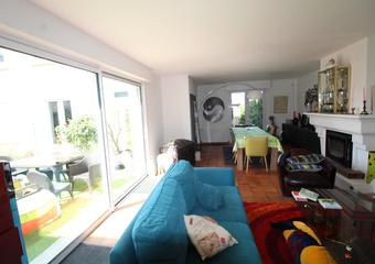 Vente Maison 10 pièces 242m² LONGUENEE EN ANJOU