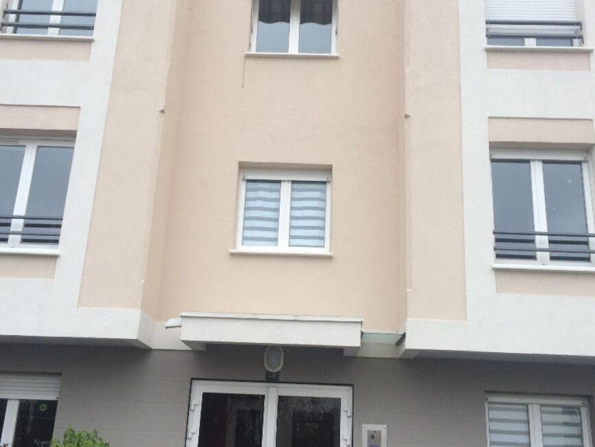 vente appartement 3 pi ces angers 225388. Black Bedroom Furniture Sets. Home Design Ideas