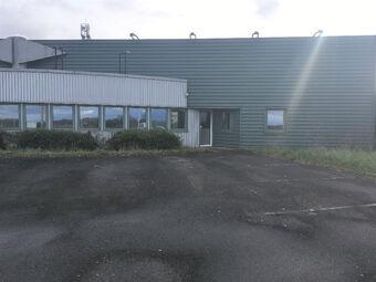 Vente Bureaux 6 pièces 325m² LES GARENNES SUR LOIRE - photo
