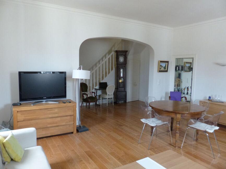 vente appartement 5 pi ces angers 129784. Black Bedroom Furniture Sets. Home Design Ideas