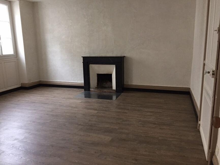 vente appartement 3 pi ces angers 267942. Black Bedroom Furniture Sets. Home Design Ideas