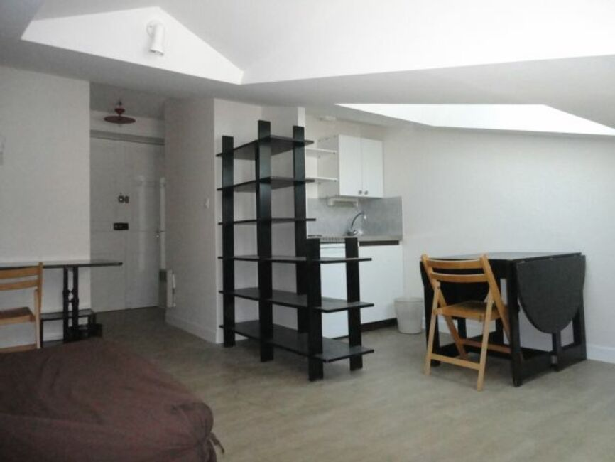 location appartement 1 pi ce clermont ferrand 63000 261876. Black Bedroom Furniture Sets. Home Design Ideas