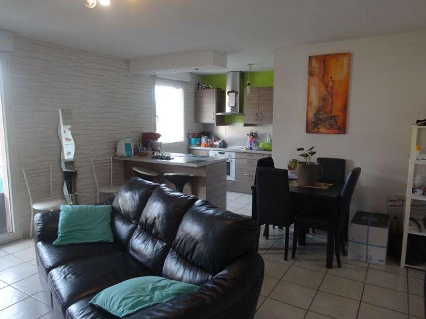 vente appartement 3 pi ces aubi re 63170 220568. Black Bedroom Furniture Sets. Home Design Ideas