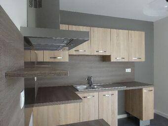 Renting Apartment 2 rooms 78m² Royat (63130) - Photo 1