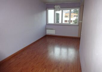 Renting Apartment 1 room 34m² Clermont-Ferrand (63100) - Photo 1