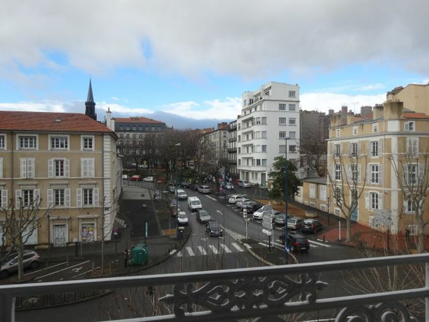 Vente appartement 6 pi ces clermont ferrand 63000 351845 for Appartement atypique clermont ferrand