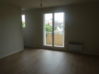 Renting Apartment 1 room 22m² Clermont-Ferrand (63000) - photo