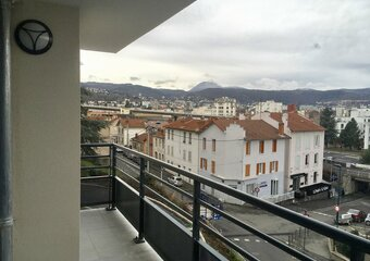 Renting Apartment 3 rooms 63m² Clermont-Ferrand (63000) - Photo 1