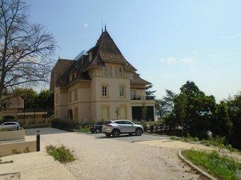 Location Appartement 6 pièces 186m² Sainte-Foy-lès-Lyon (69110) - Photo 1