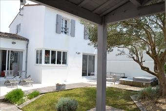 Vente Maison 5 pièces 102m² Le Bois-Plage-en-Ré (17580) - photo