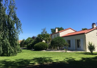 Sale House 5 rooms 178m² st hilaire de chaleons - Photo 1