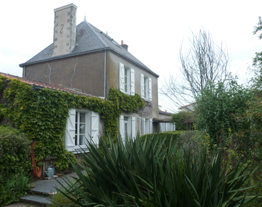 Sale House 6 rooms 203m² SAINT LEGER LES VIGNES - photo