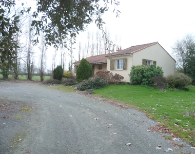 Sale House 6 rooms 110m² FROSSAY - photo