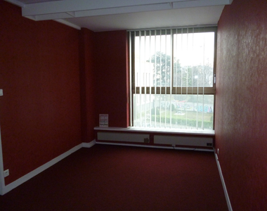 Renting Office 109m² Clermont-Ferrand (63000) - photo