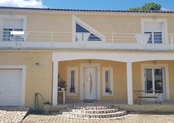 Location Maison 6 pièces 200m² Lezoux (63190) - Photo 1