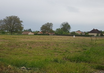 Vente Terrain 935m² Aigueperse (63260) - photo
