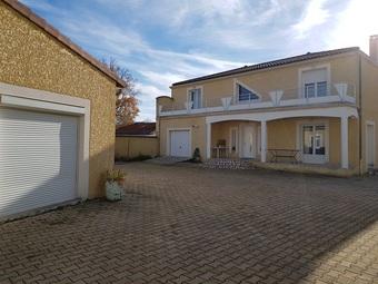 Vente Maison 7 pièces 300m² Lezoux (63190) - Photo 1