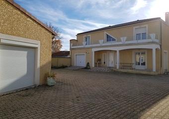 Vente Maison 7 pièces 300m² Lezoux (63190) - photo