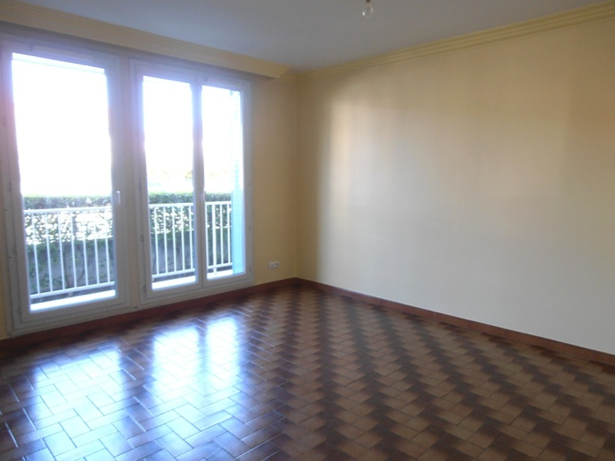 Location Appartement  Pices ClermontFerrand