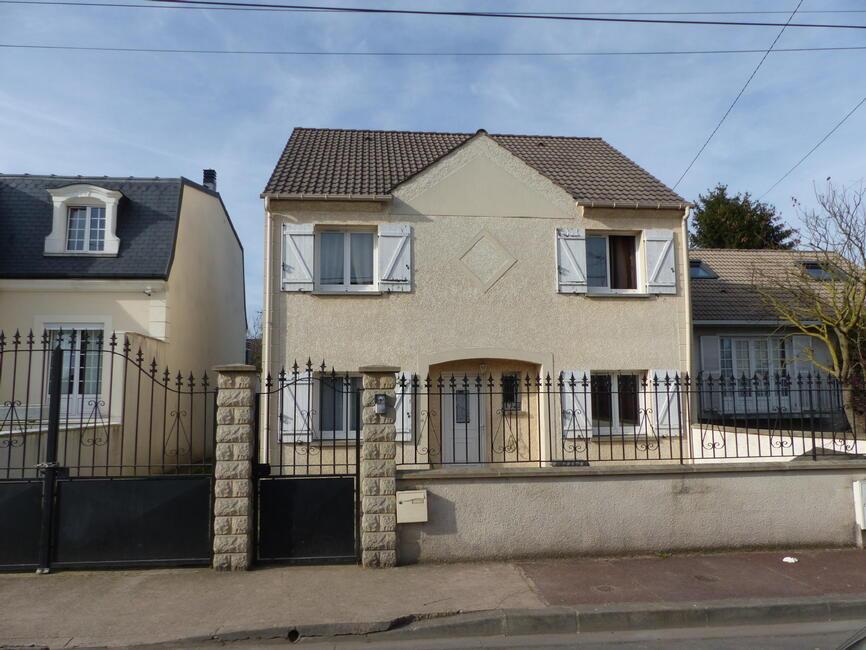 Vente maison 7 pi ces tremblay en france 93290 162613 for Garage tremblay en france