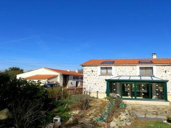 Vente Maison 7 pièces 420m² Bournezeau (85480) - photo