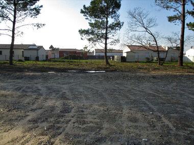 Sale Land 464m² Les Mathes (17570) - photo