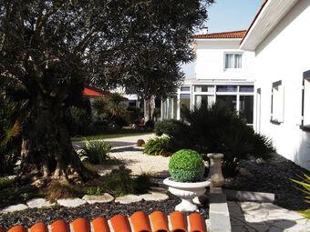 Vente Maison 11 pièces 256m² Ronce-les-Bains (17390) - Photo 1