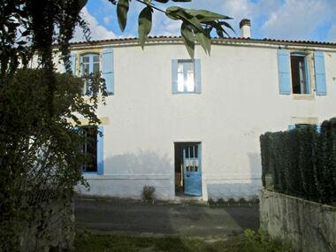 Sale House 4 rooms 130m² Chaillevette (17890) - photo