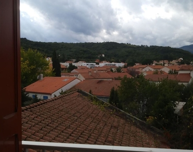 Renting Apartment 2 rooms 40m² Céret (66400) - photo