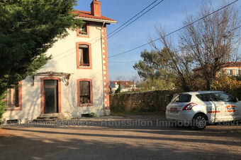 Sale House 9 rooms 196m² Prades (66500) - photo