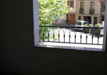 Renting Apartment 45m² Céret (66400) - photo
